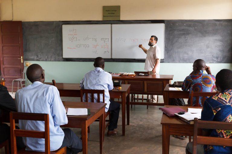 serve_multilingual-education